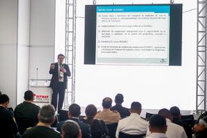 Superintendente Carlos Rivera Becerra presenta en el SITDEF 2019 retos asumidos por la Sucamec